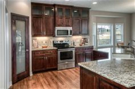 kitchen cabinets with countertops 1000 images about cabinets island and hardwood floor on 9534