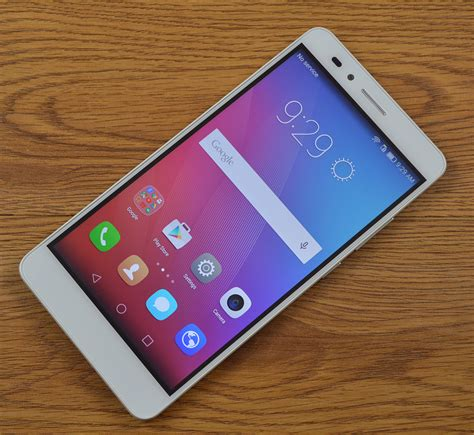 honor  review huaweis house brand delivers