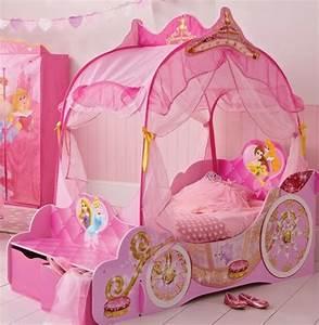 Lit Princesse Fille : le lit carrosse nous rappelle la magie de l 39 enfance ~ Teatrodelosmanantiales.com Idées de Décoration