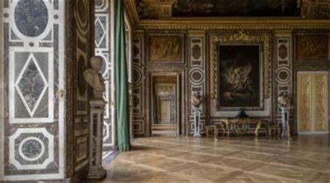 kings apartments palace  versailles