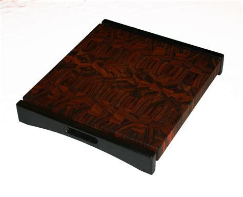 hand  tigerwood  grain cutting board  carolina