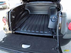 2004 Chevrolet Ssr Standard Ssr Model Trunk Photo