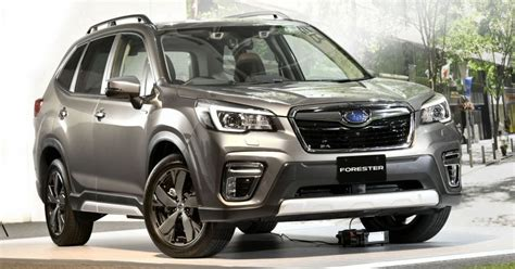 subaru  boxer hybrid electric car magazine