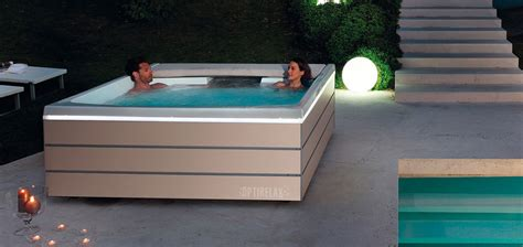 Whirlpool Im Garten Einlassen by Optirelax Premium Whirlpools Pools Sauna