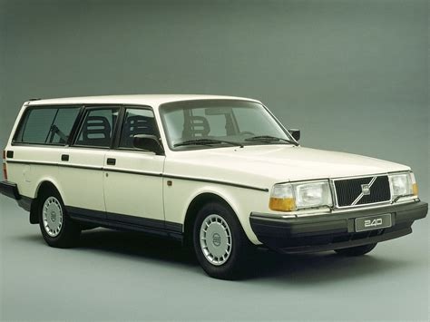 classic volvo 1974 volvo 245 dl estate related infomation specifications