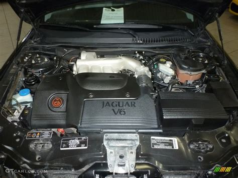 2002 Jaguar X-type 2.5 Engine Photos
