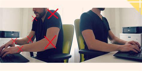 position bureau eviter les douleurs du cou au bureau une astuce simple