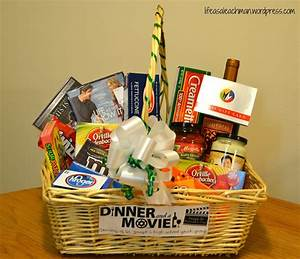 10, Trendy, Gift, Basket, Ideas, For, Couples, 2020