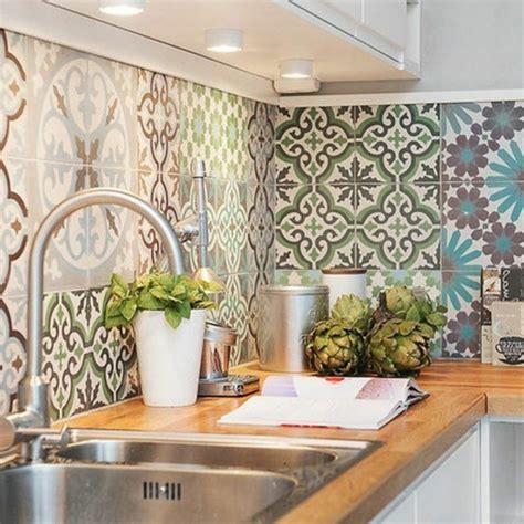 cuisine pour le carrelage mural en 50 variantes pour vos murs