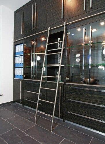 slak akzent hook ladder   library ladders