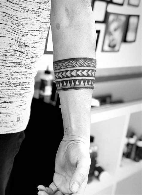 1001 + Ideen und Bilder zum Thema Tattoo Arm | Arm band tattoo, Band tattoo designs, Tribal band