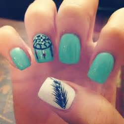 Examples of feather nail art and design