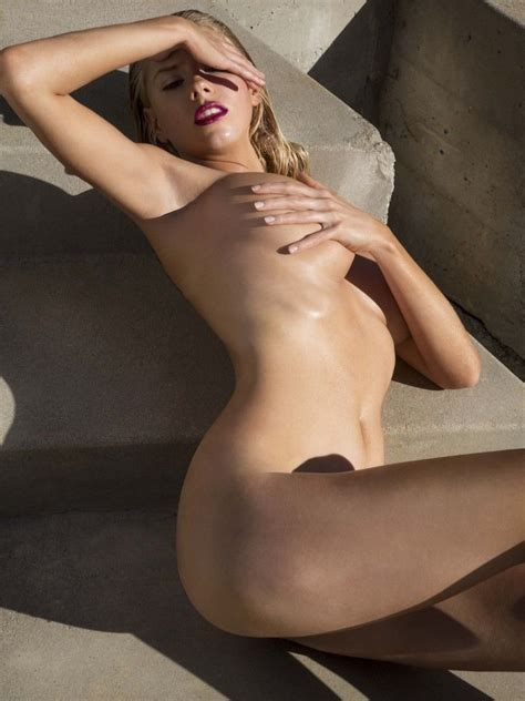 Charlotte Mckinney Nude And Sexy 21 Photos Thefappening