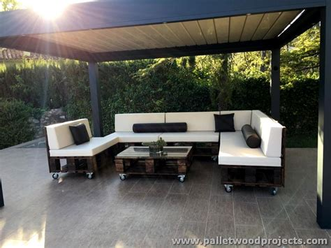 wooden pallet sofa on wheels pallet wood projects