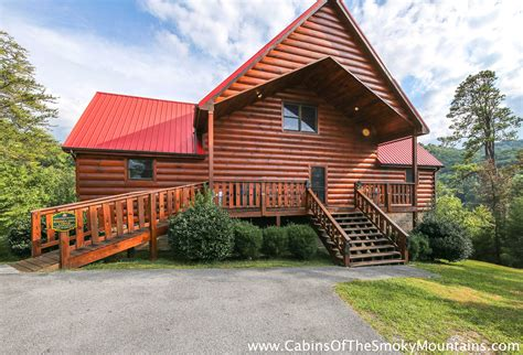 pigeon forge cabin pigeon forge cabin owl lodge from 180 00