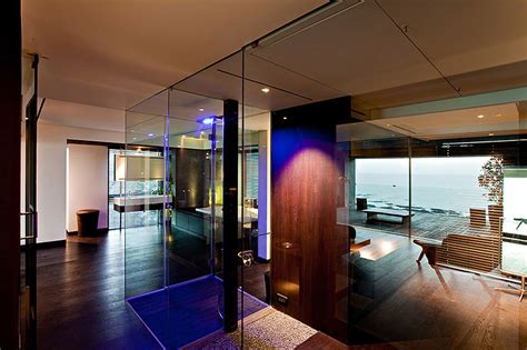 Tropical Penthouse Apartment In Mumbai With Views Of The Arabian Sea