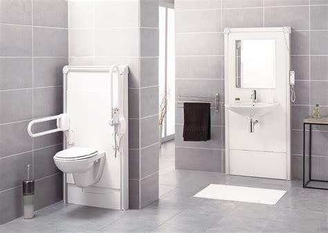 accessibilite salle de bain accessibilit 233 des salles de bains trois familles de travaux de r 233 novation chantiers