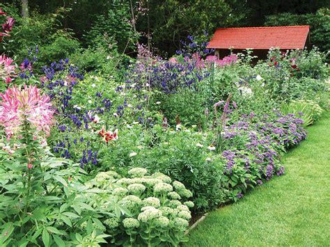 Cottage Garten Pflanzen by Cottage Garden Plants Hgtv
