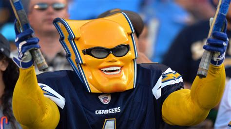 los angeles chargers unofficial mascot boltman announces