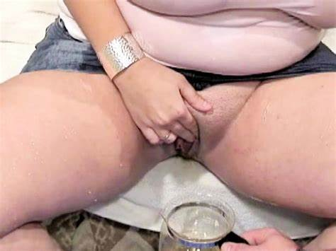 Spycam Piss And Muffdiving In Sneaking Toilet Gal Takes A Pee