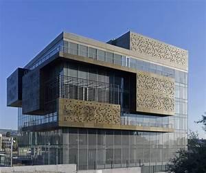 Dogan Media Center / Tabanlioglu Architects | ArchDaily