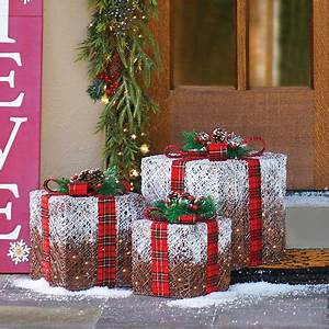 Outdoor Christmas Decorations Presents Home Design