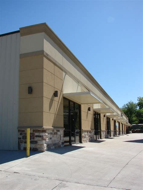 Strip mall application of a steel building for Retail