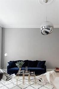 on met l39accent sur la couleur de peinture pour salon With tapis exterieur avec canape bleu electrique