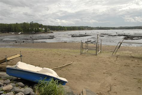 File:Lake Delton drained.jpg - Wikimedia Commons