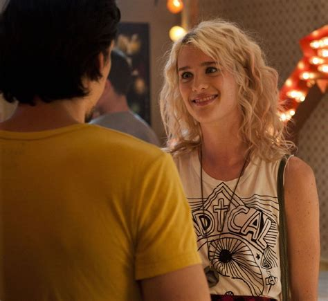 Copy Mackenzie Davis' Rocker Look In The F Word   BEAUTY