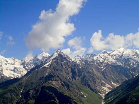 himalayas mountain range 1600x1200 wallpapers himalayas india 1600x1200 wallpapers pictures
