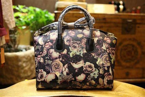 wholesale designer handbags  bulk handbags  purses