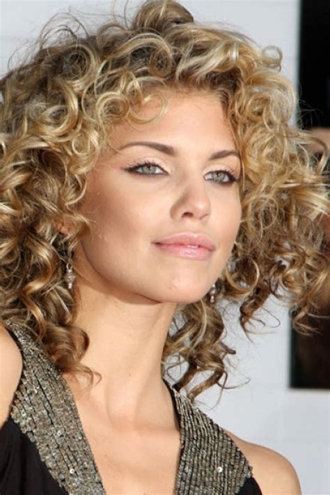 30 short curly hairstyles ideas for women magment