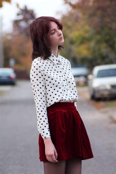 Best 25+ Velvet skirt ideas on Pinterest | Mini skirt outfit winter Skirt with pocket outfits ...