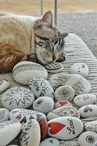 Bilder Mit Steinen : basteln mit steinen katze gartendeko steine bemalen ~ Michelbontemps.com Haus und Dekorationen