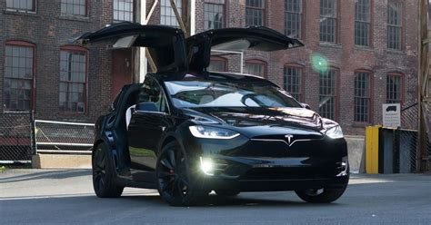 tesla adds automatic high beams    air update