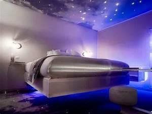 Neon Deco Chambre : das licht im schlafzimmer 56 tolle vorschl ge daf r ~ Teatrodelosmanantiales.com Idées de Décoration
