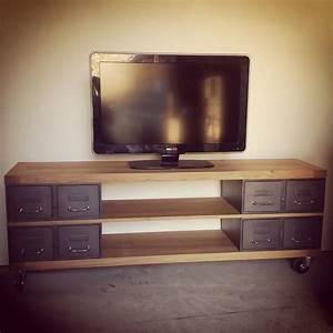 Table Pour Tv : industriel meuble tv m tal et bois tiroirs ~ Teatrodelosmanantiales.com Idées de Décoration