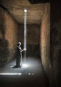 Collecting light - Karnak, Luxor Inside the Karnak temple ...