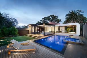 Harmonious House With Swimming Pool Design by Curva House By Lsa Architects Interior Design