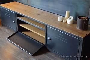 Banc Tv Design : meuble banc tv 3portes en bois et acier micheli design ~ Teatrodelosmanantiales.com Idées de Décoration