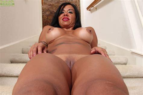 big titted milf marisa mendes enjoys masturbating alone at home