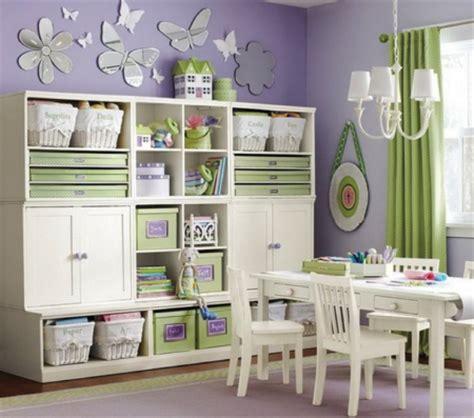 chambre bébé montessori le rangement des jouets dans la chambre des enfants