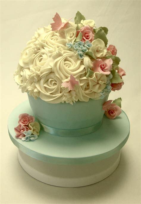vintage giant cupcake celebration cakes cakeology