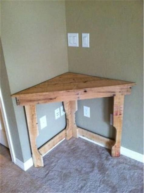 Corner Desk Ideas Diy by 25 Best Ideas About Pallet Projects On Pallet