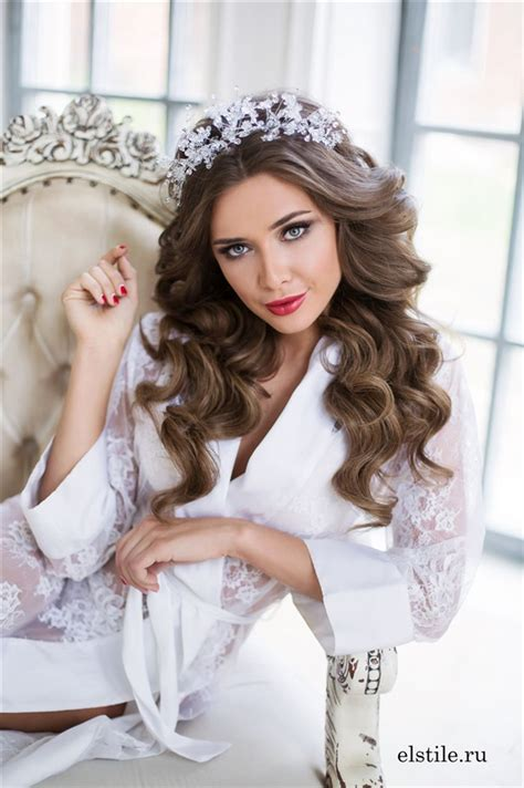top   wedding hairstyles  long hair deer pearl flowers