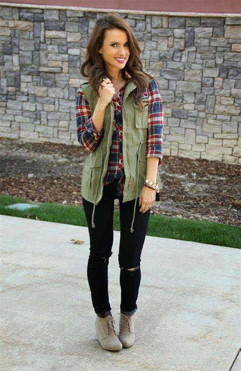 24 Cute Ways To Wear Your Flannels This Fall Casual