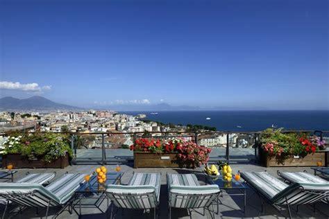 la terrazza napoli sulle terrazze degli alberghi di napoli