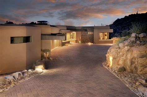 15 Tremendous Southwestern Exterior Designs of Desert