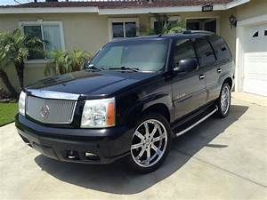 2002 Cadillac Escalade - Overview